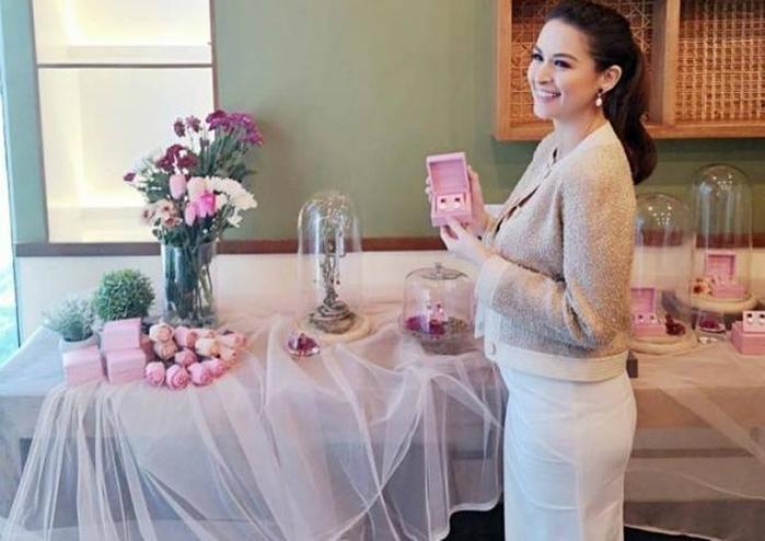 Mỹ nhân đẹp nhất Philippines phá vỡ mọi chuẩn mực về nhan sắc của phụ nữ khi mang bầu Ảnh 4