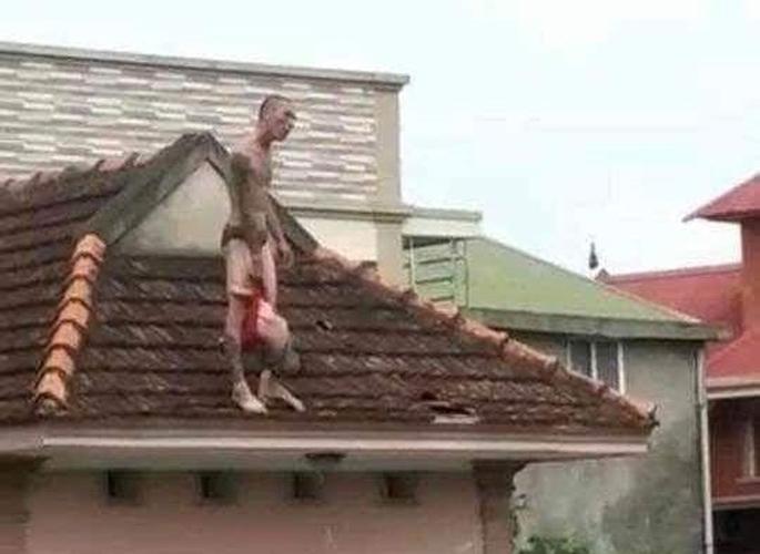 Khởi tố đối tượng ngáo đá xách con trên mái nhà Ảnh 3