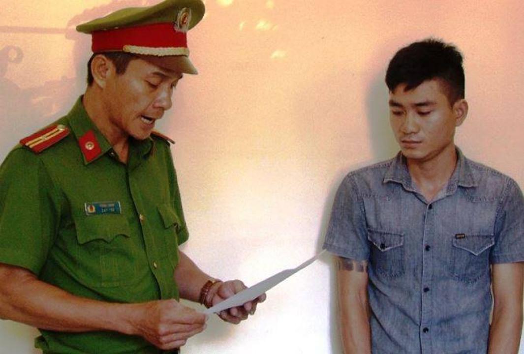Huế: Thiếu tá đi ăn nhậu, chụp ảnh với đương sự Ảnh 2