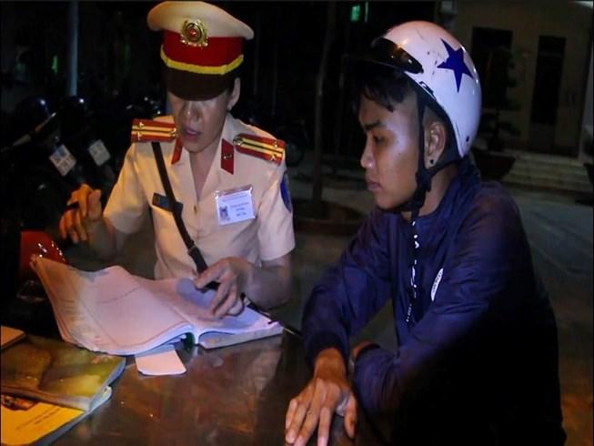 Ăn mừng kiểu quá kích, 50 thanh niên ở Vĩnh Long bị xử lý Ảnh 1