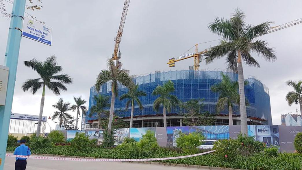 Giàn giáo dự án 30 tầng đổ sập, 2 công nhân thiệt mạng Ảnh 1