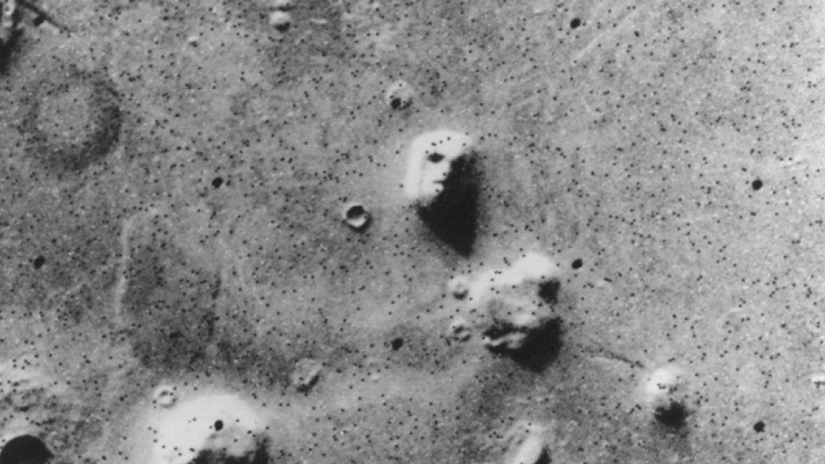 Những hình thù bí ẩn từng xuất hiện trên sao Hỏa Ảnh 1