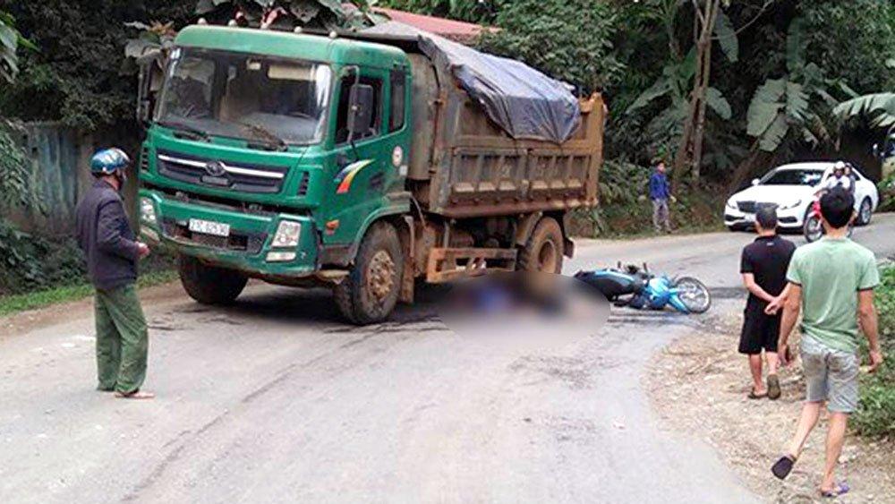 Va chạm với xe tải ở Yên Bái: Vợ tử vong, chồng nguy kịch Ảnh 1