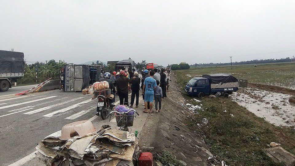 Tai nạn giao thông liên hoàn trên quốc lộ 1A ở Hà Tĩnh