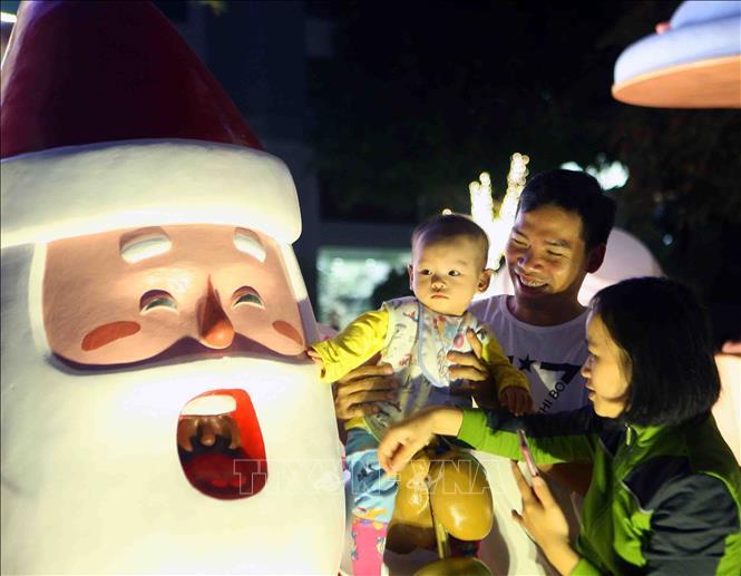 Hà Nội rực rỡ chào đón Giáng sinh 2018 Ảnh 9