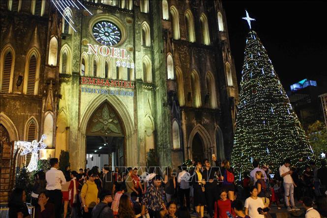Hà Nội rực rỡ chào đón Giáng sinh 2018 Ảnh 3