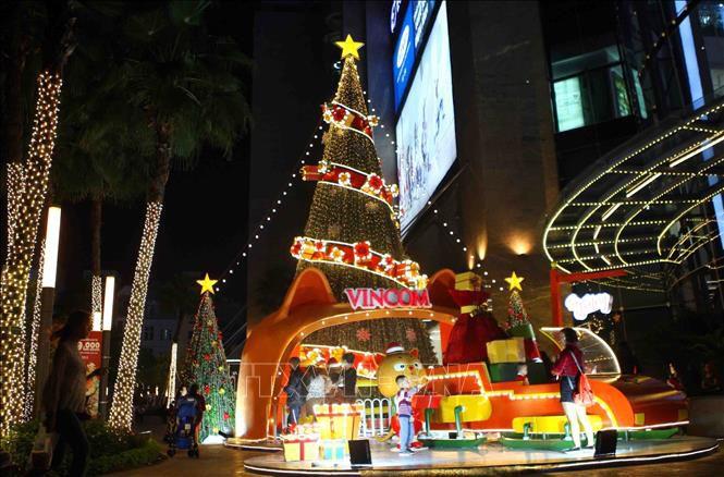 Hà Nội rực rỡ chào đón Giáng sinh 2018 Ảnh 11