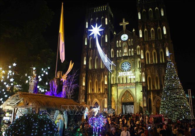 Hà Nội rực rỡ chào đón Giáng sinh 2018 Ảnh 2