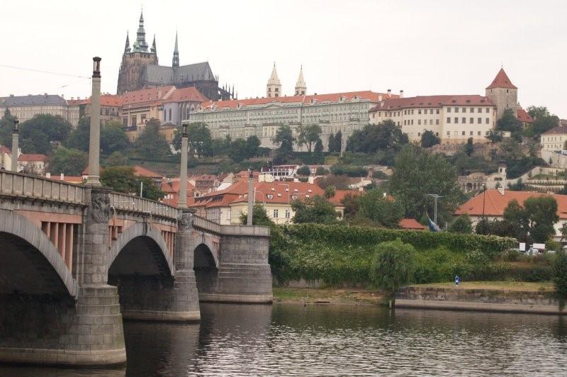 Ngắm hoàng hôn ở Prague - Thành phố đẹp nhất châu Âu Ảnh 4