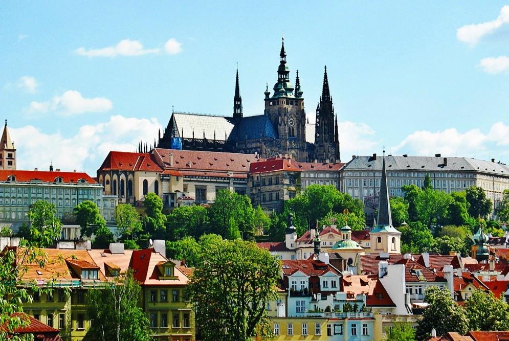 Ngắm hoàng hôn ở Prague - Thành phố đẹp nhất châu Âu Ảnh 2