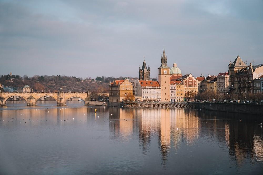 Ngắm hoàng hôn ở Prague - Thành phố đẹp nhất châu Âu Ảnh 3