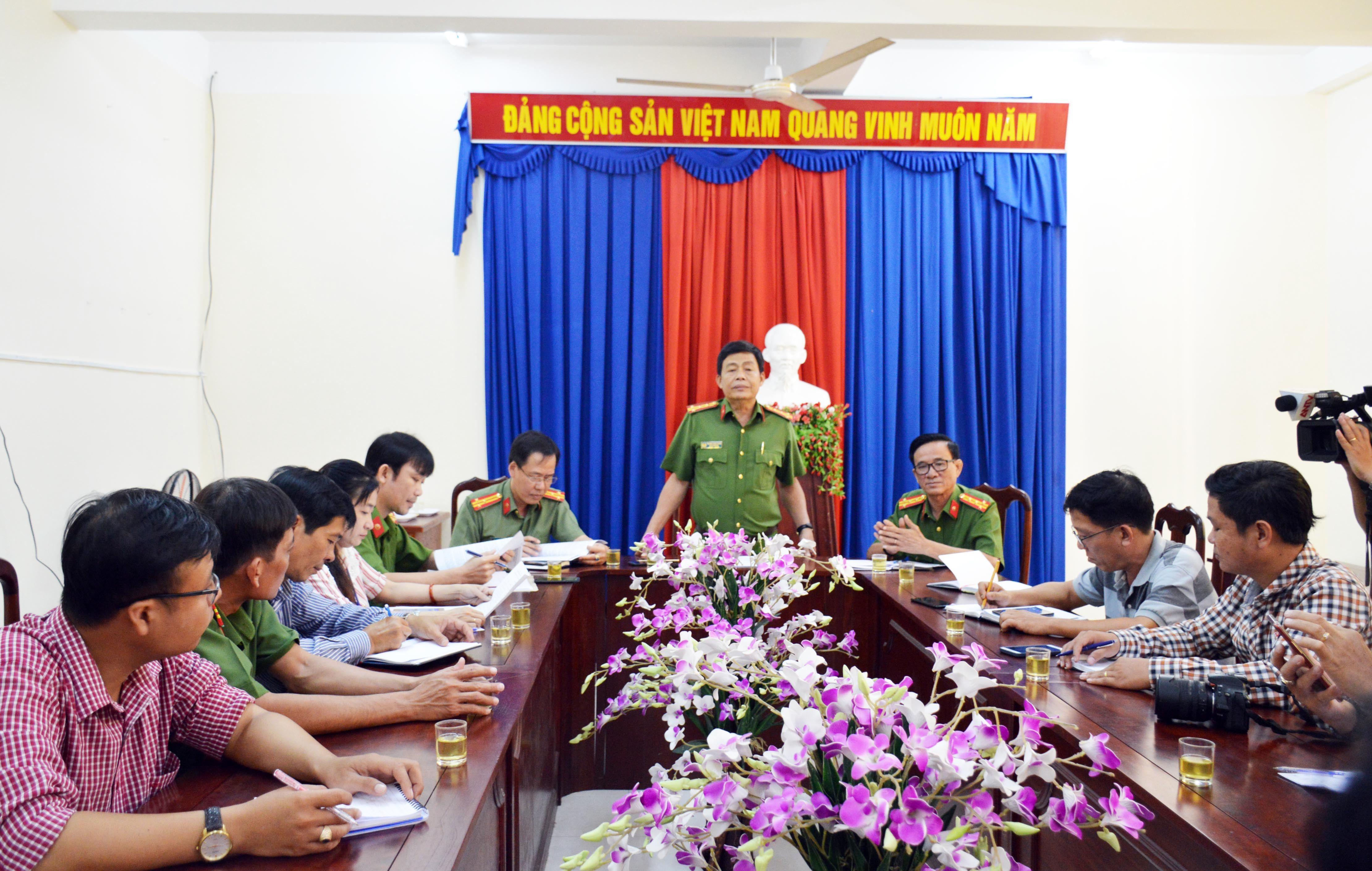 Công an Cà Mau thông tin vụ bắt nghi can 'đang kiện chủ tịch tỉnh' Ảnh 1