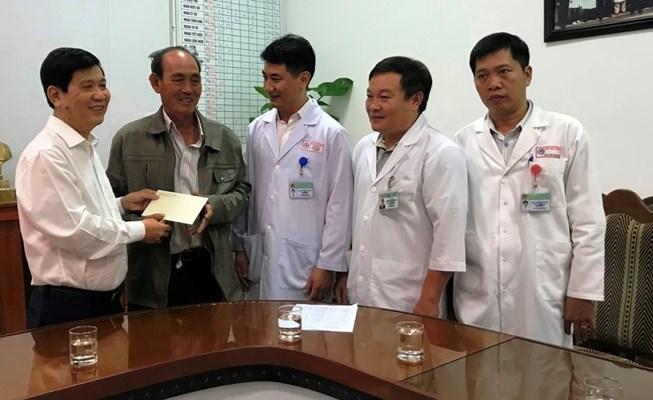 Thứ trưởng Bộ Công an thăm sinh viên bị nạn trên đèo Hải Vân Ảnh 1