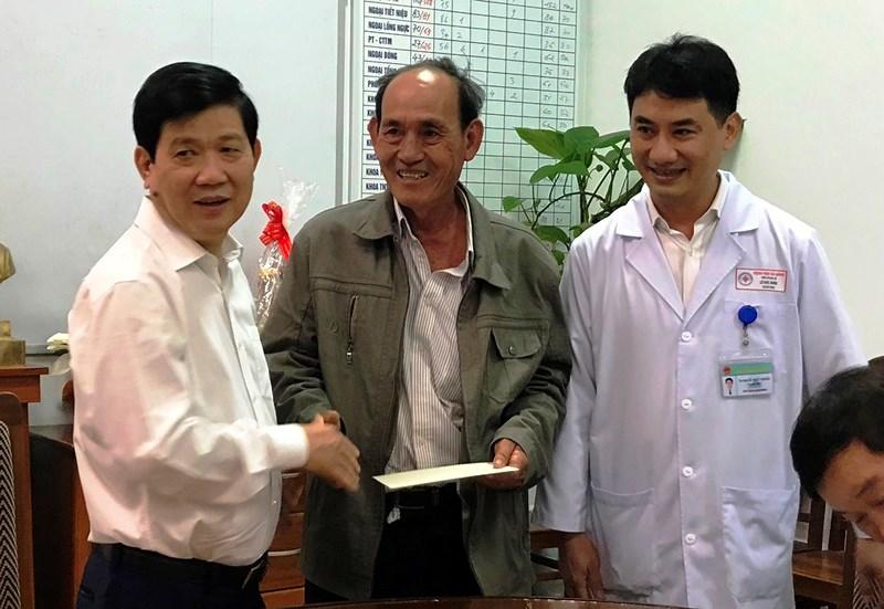 Thứ trưởng Bộ Công an thăm sinh viên bị nạn trên đèo Hải Vân Ảnh 2