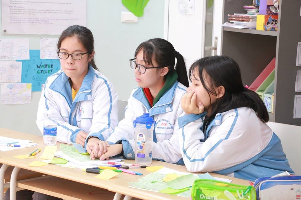 Học sinh Việt Nam tranh biện bằng tiếng Anh về hàng loạt chủ đề 'nóng' Ảnh 3