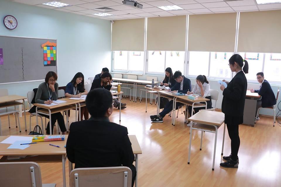 Học sinh Việt Nam tranh biện bằng tiếng Anh về hàng loạt chủ đề 'nóng' Ảnh 4