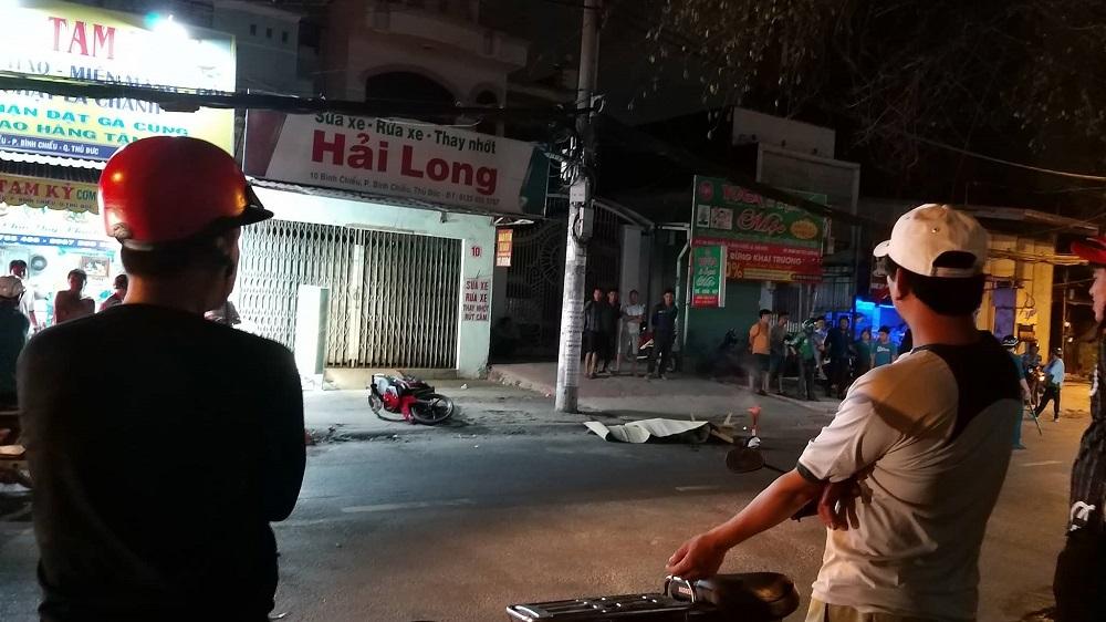 Xe container đâm chết người rồi tháo chạy ở Sài Gòn Ảnh 1