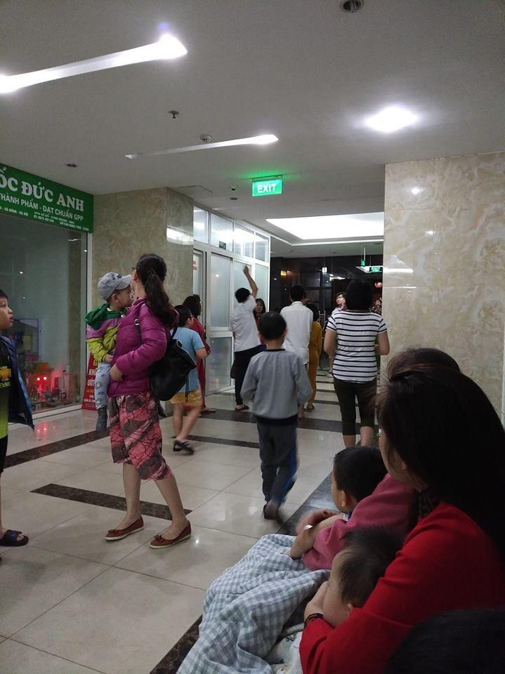Hà Nội: Cháy lớn ở chung cư vào lúc nửa đêm Ảnh 2