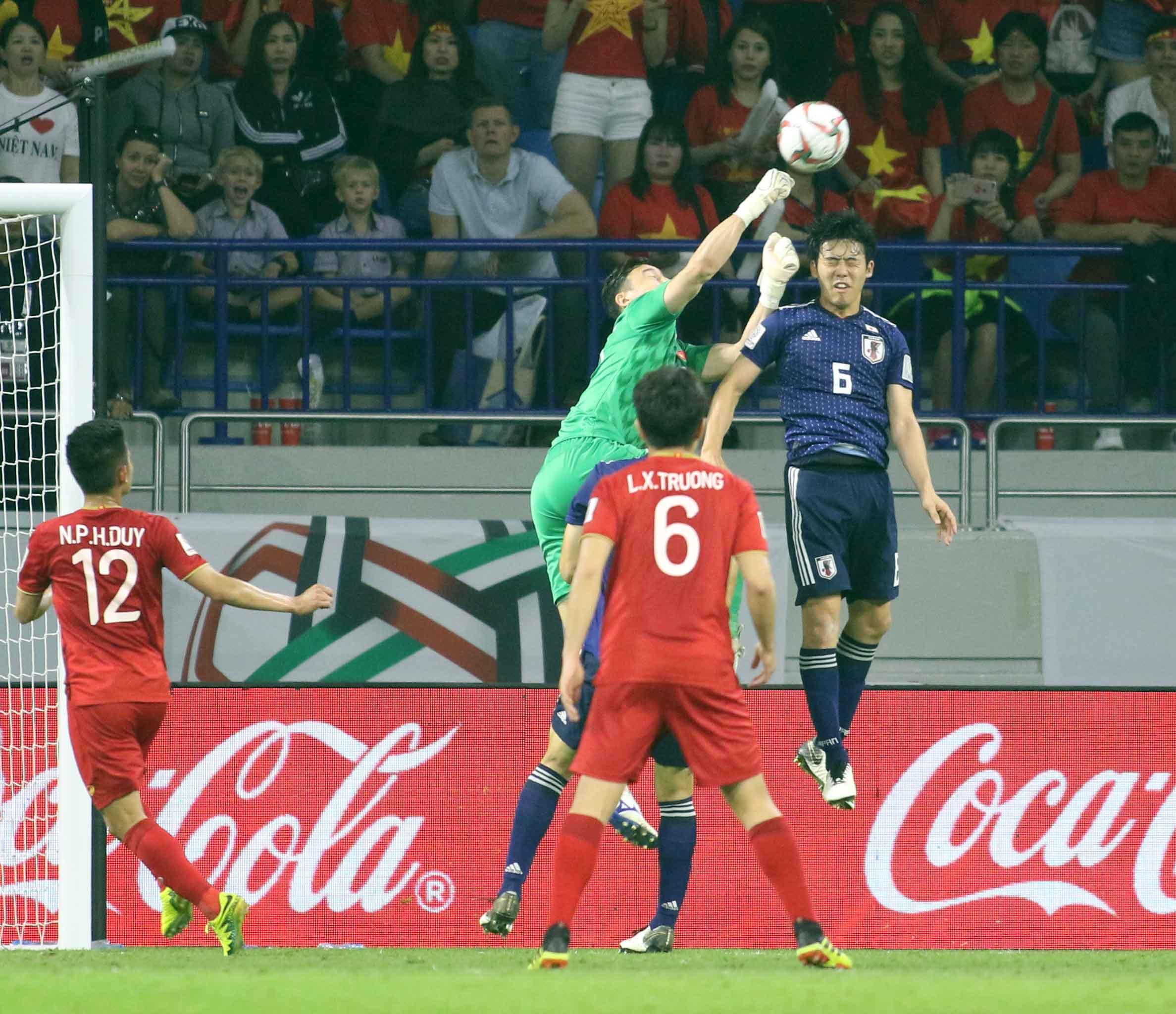 Cầu thủ Việt Nam cần được ra đi để 'lớn' Ảnh 4