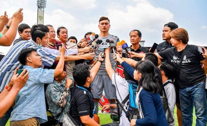 Cầu thủ Việt Nam cần được ra đi để 'lớn' Ảnh 1