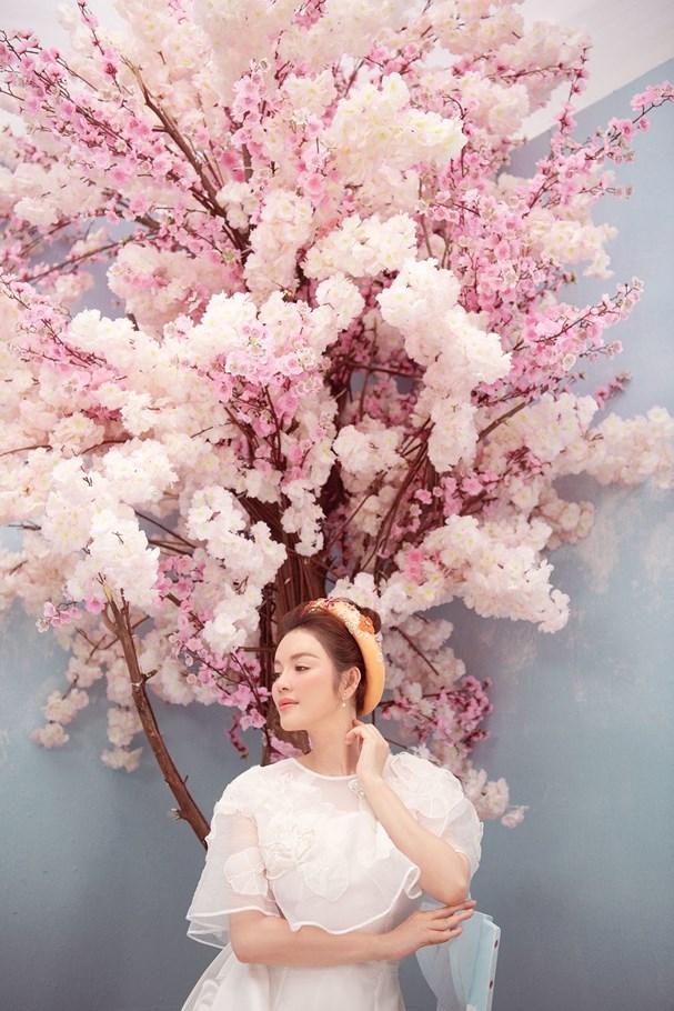 Lý Nhã Kỳ đẹp ngọt ngào trong bộ ảnh mừng Xuân Ảnh 5