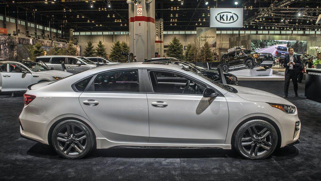 2020 Kia Forte GT-Line lộ diện chi tiết, đe nẹt Toyota Camry Ảnh 5