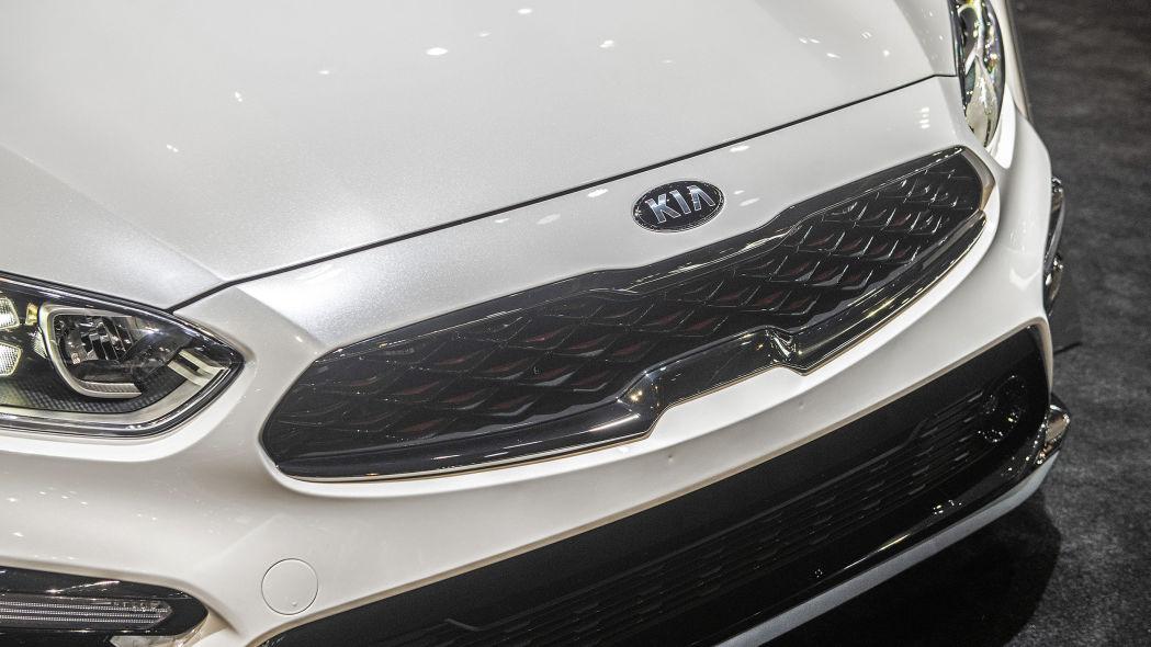 2020 Kia Forte GT-Line lộ diện chi tiết, đe nẹt Toyota Camry Ảnh 8