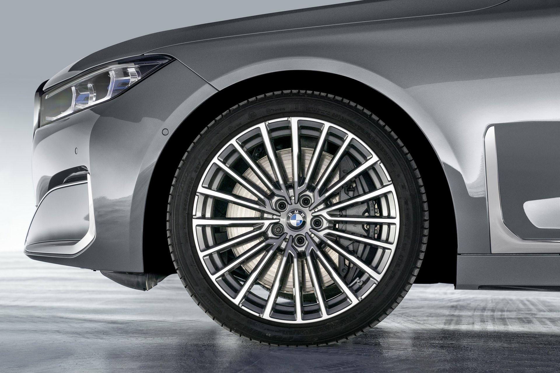 BMW 7-Series 2020 chốt giá rẻ hơn Mercedes-Benz S-Class Ảnh 3