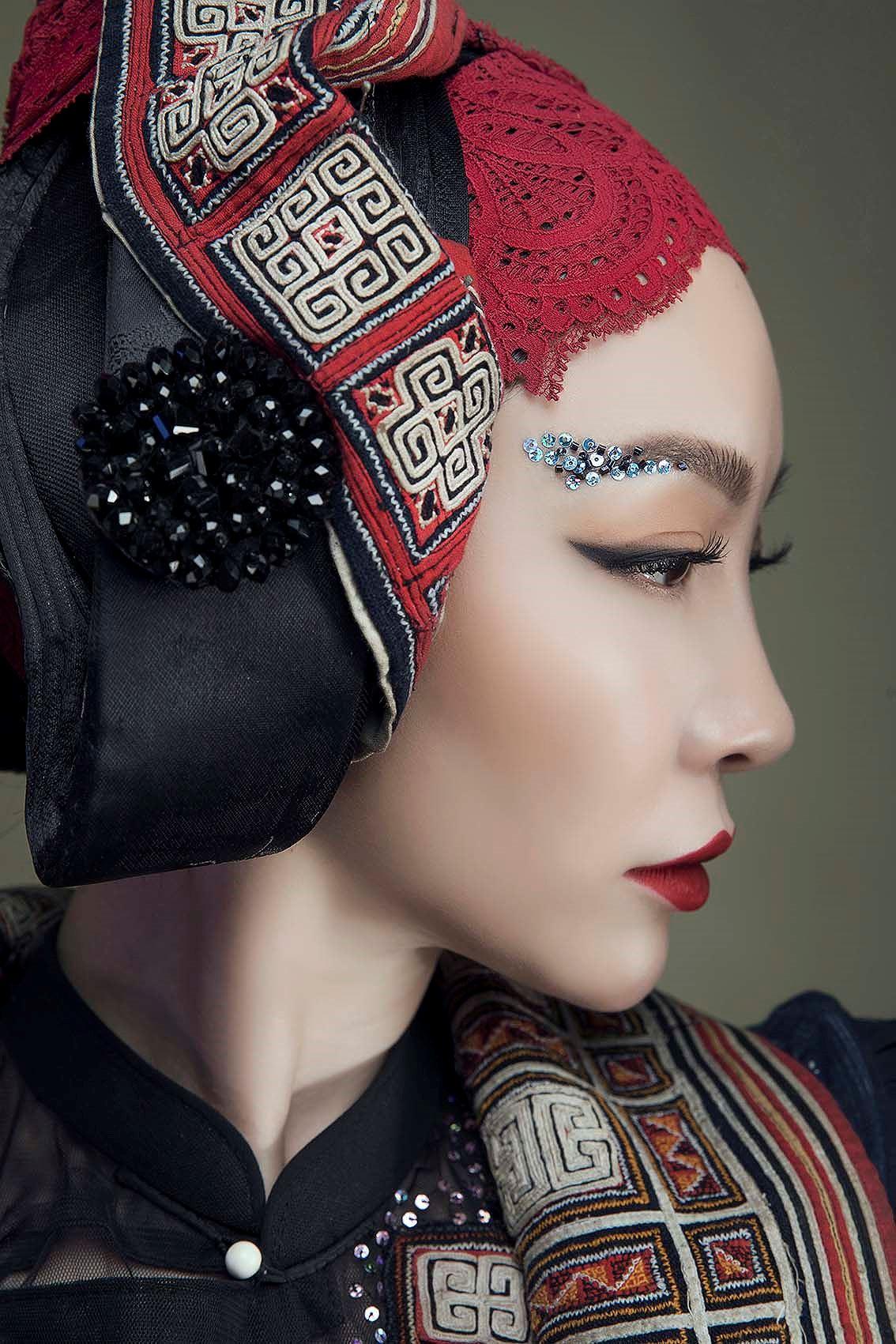 'Chim công làng múa' Linh Nga hóa nàng xuân Tây Bắc với áo dài hoa ban Ảnh 6