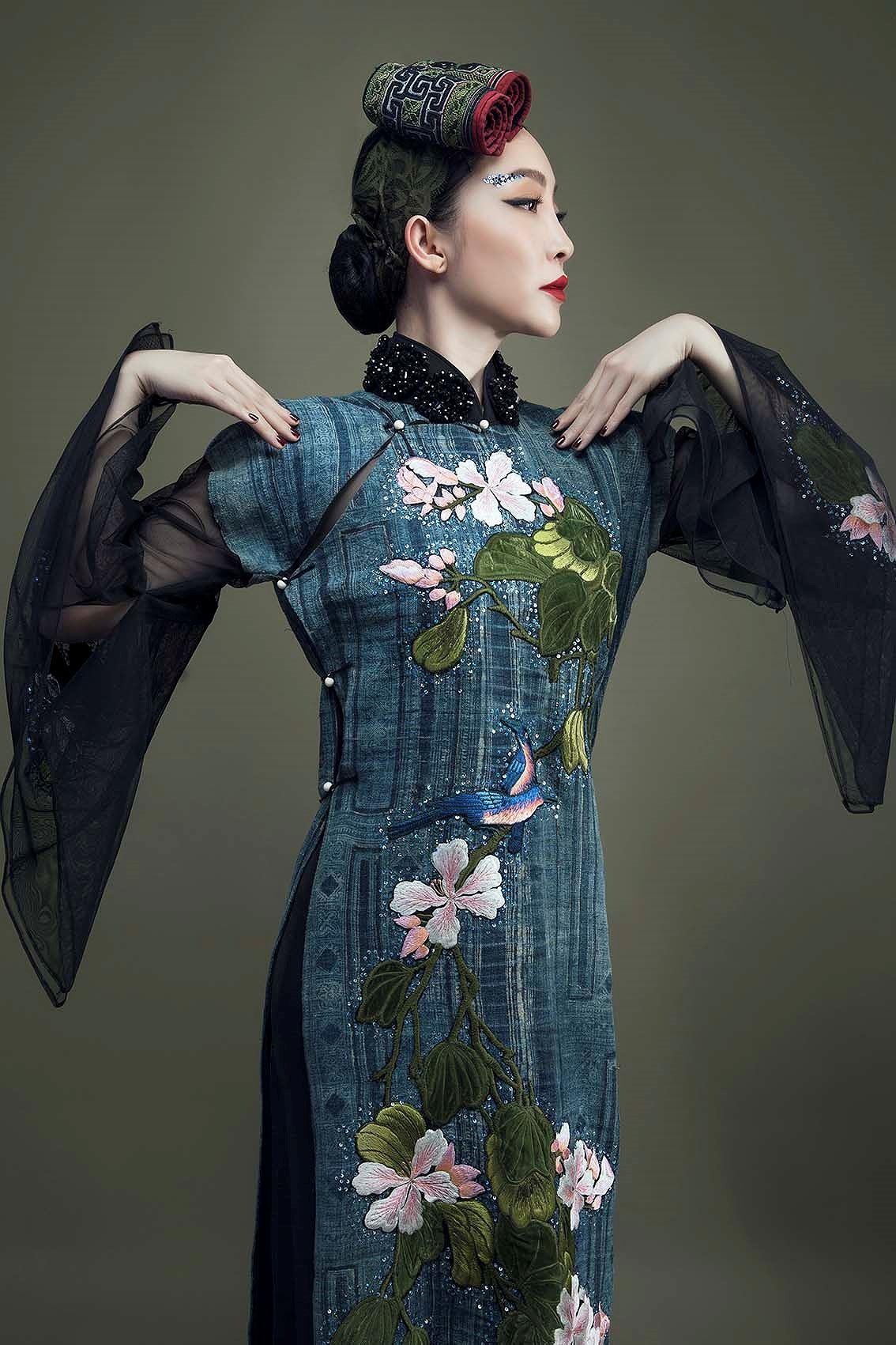 'Chim công làng múa' Linh Nga hóa nàng xuân Tây Bắc với áo dài hoa ban Ảnh 7