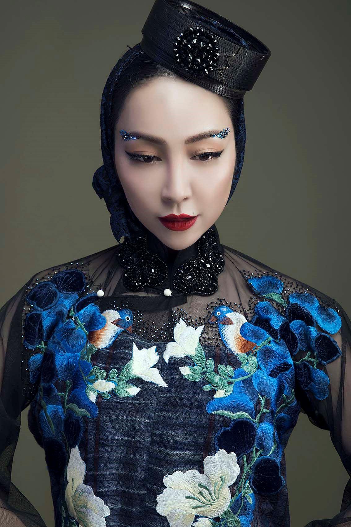 'Chim công làng múa' Linh Nga hóa nàng xuân Tây Bắc với áo dài hoa ban Ảnh 9