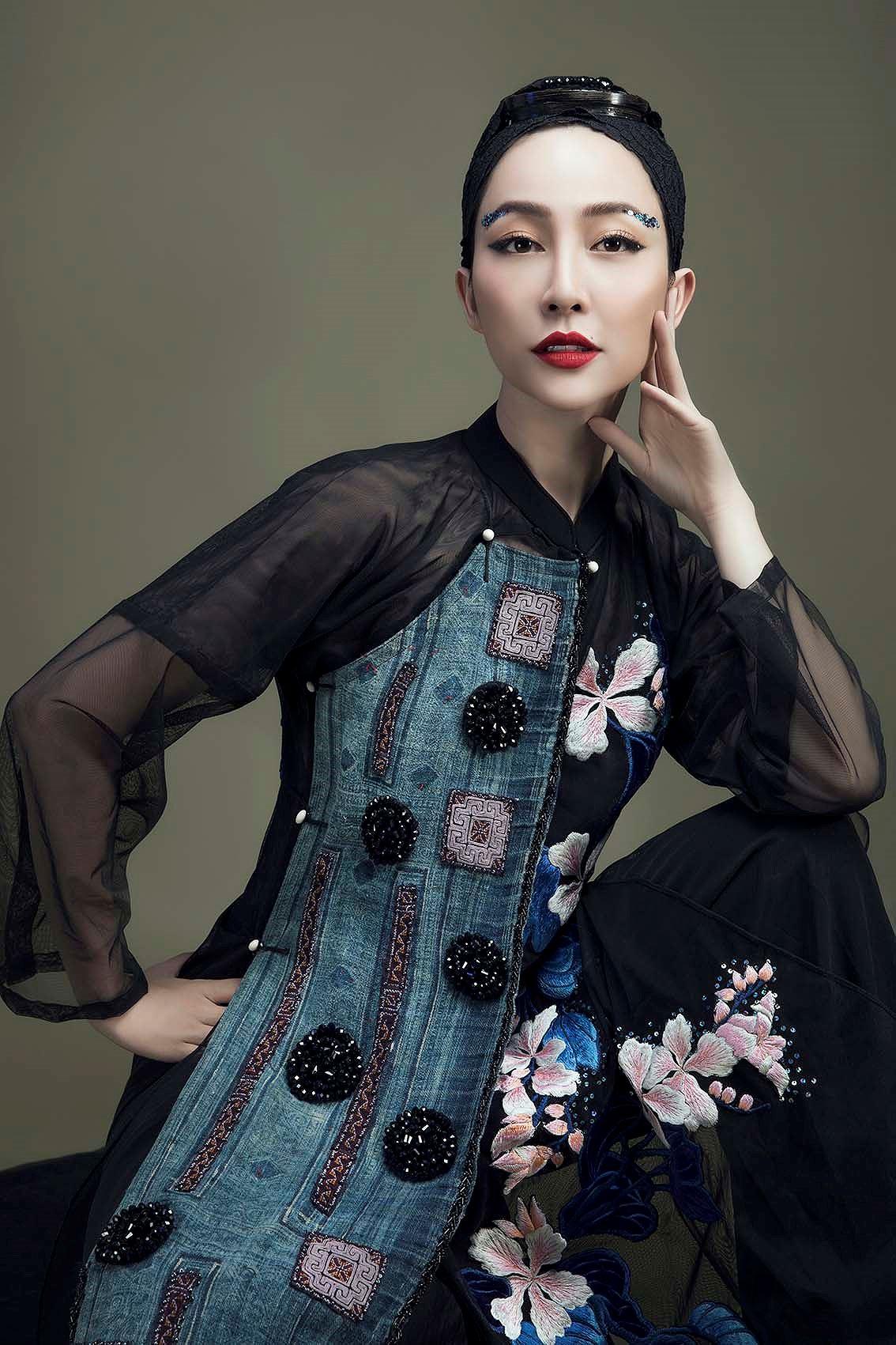 'Chim công làng múa' Linh Nga hóa nàng xuân Tây Bắc với áo dài hoa ban Ảnh 8