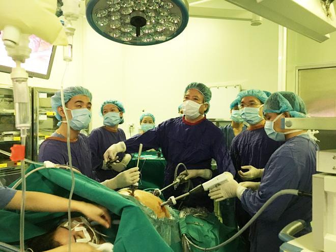 'Người tiên phong' phẫu thuật nội soi ở Việt Nam Ảnh 1