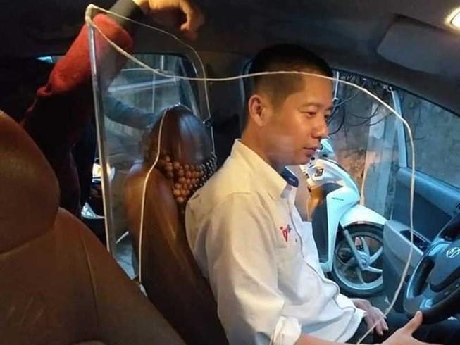 Muốn lắp vách chống cướp trong ô tô: Mời gặp đăng kiểm! Ảnh 1