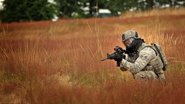 Quân đội Mỹ tuyên chiến với... 'cỏ Nga'! Ảnh 1