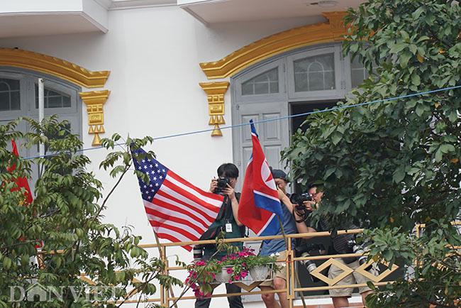 PV quốc tế bủa vây các khách sạn ở Hà Nội săn tin ông Trump - Kim Ảnh 10