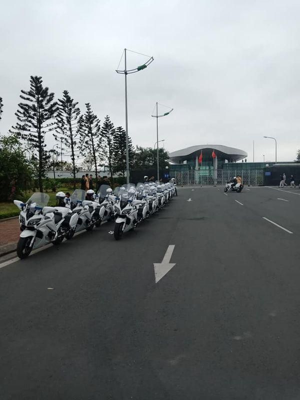 Cảnh sát Việt Nam đợi lệnh hộ tống Donald Trump và Kim Jong Un bằng dàn mô tô khủng Ảnh 1