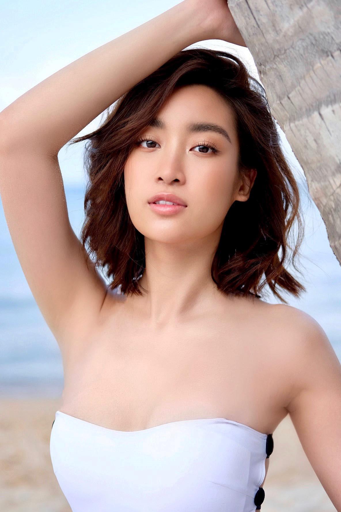 Hoa hậu Đỗ Mỹ Linh khoe vóc dáng gợi cảm với đồ bơi Ảnh 3