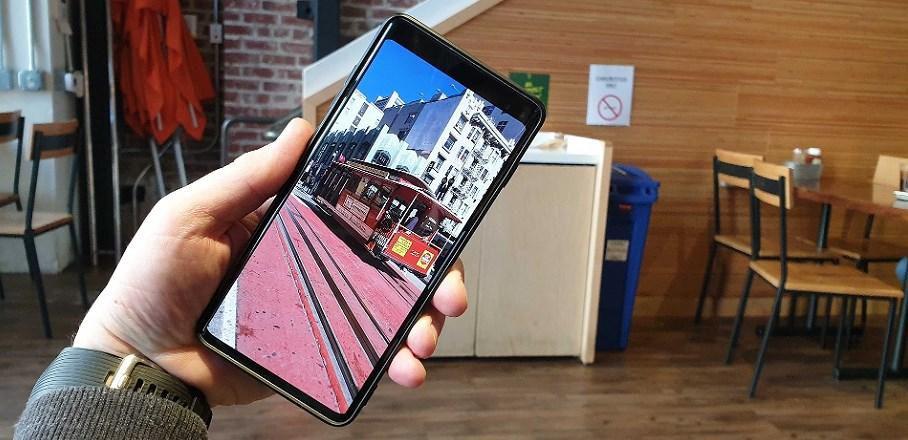 Galaxy S10 'có họ hàng' với Bphone 3? Ảnh 3