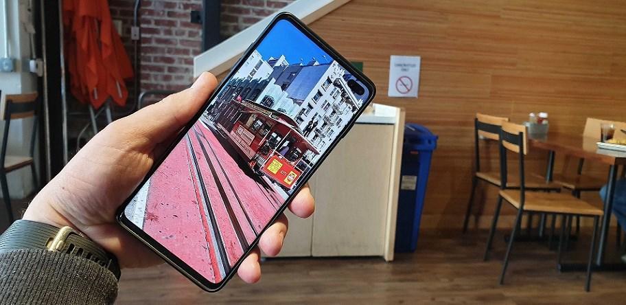 Galaxy S10 'có họ hàng' với Bphone 3? Ảnh 5