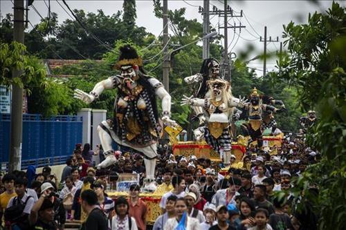 Đảo Bali 'mất điện' trong 'Ngày im lặng' Ảnh 1