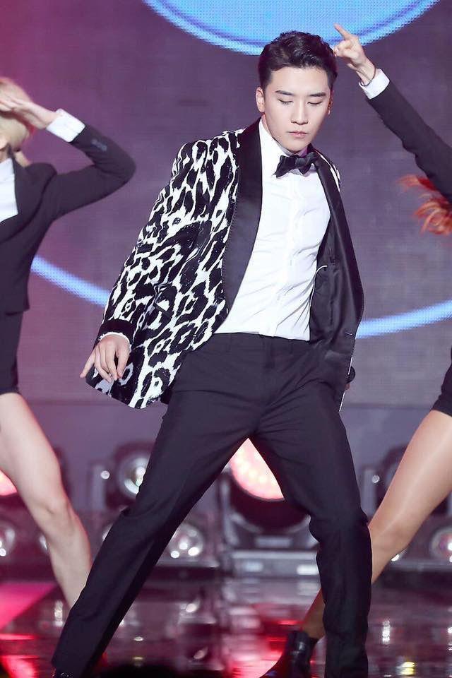 Phong cách sành điệu thời thượng của Seungri trước khi bị lật mặt vì bê bối tình dục Ảnh 7