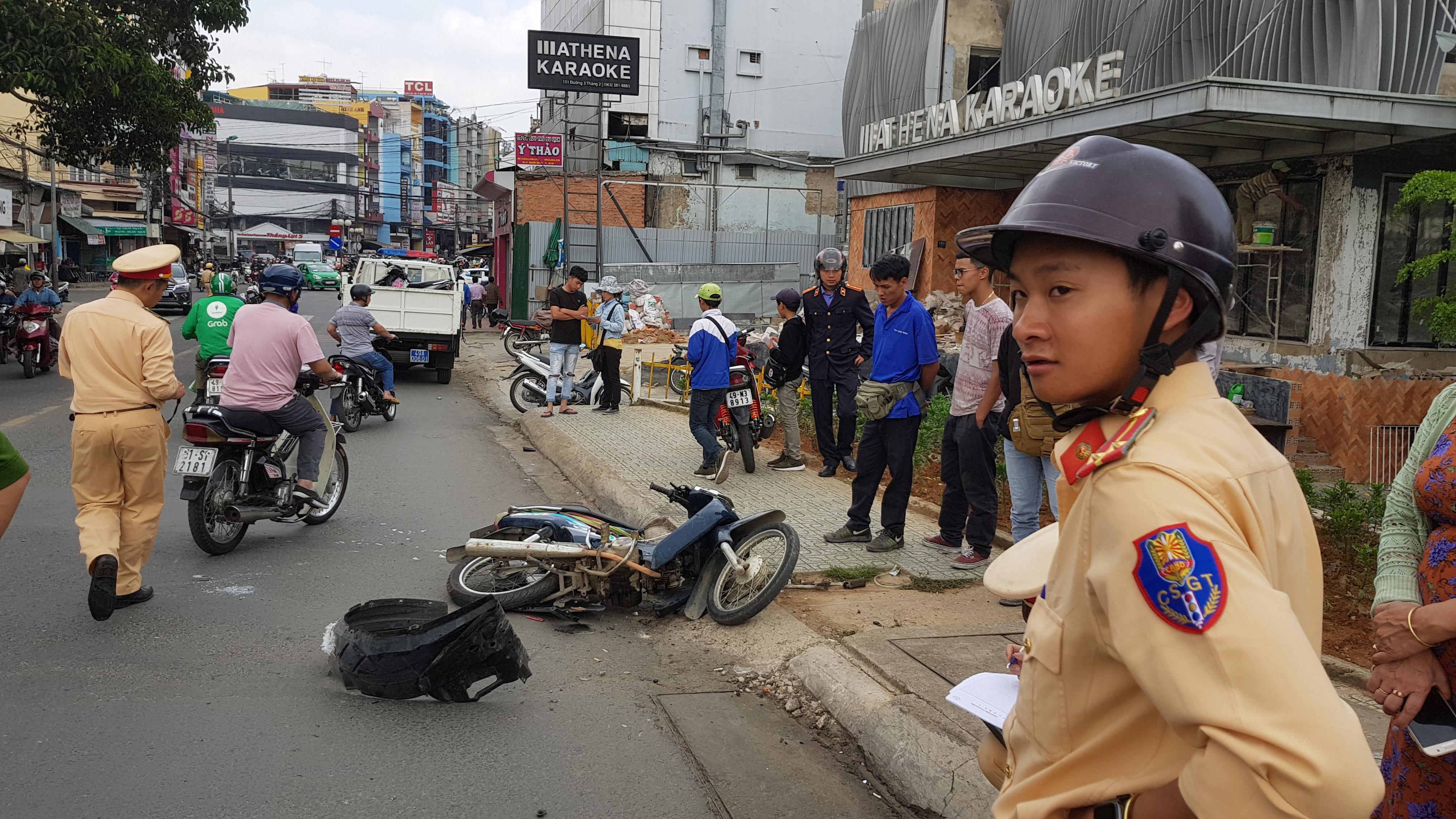Tài xế nghi ngáo đá gây tai nạn liên hoàn trên đường phố Đà Lạt Ảnh 5
