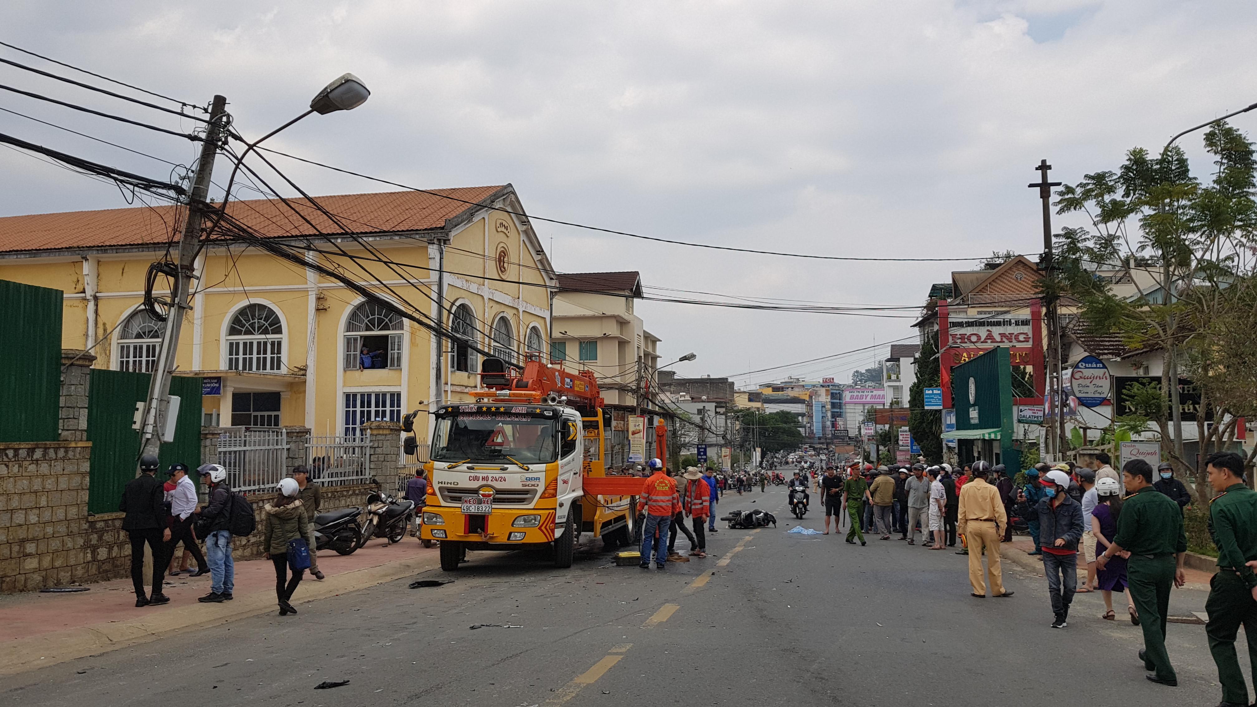 Tài xế nghi ngáo đá gây tai nạn liên hoàn trên đường phố Đà Lạt Ảnh 1