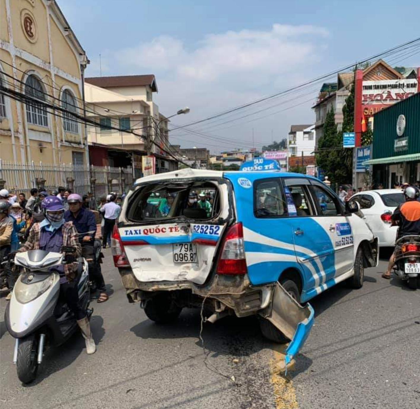 Tài xế nghi ngáo đá gây tai nạn liên hoàn trên đường phố Đà Lạt Ảnh 3