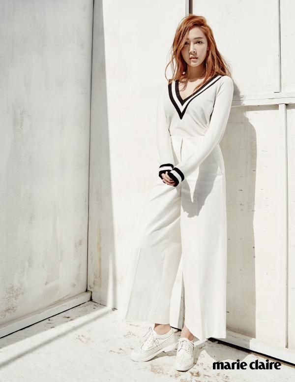 Cả Jessica Jung và Hoa hậu H'hen Niê đều chuộng cách kéo dài chân cực đỉnh Ảnh 5
