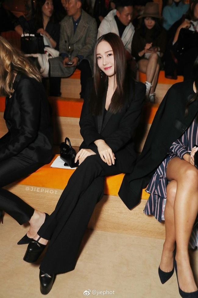 Cả Jessica Jung và Hoa hậu H'hen Niê đều chuộng cách kéo dài chân cực đỉnh Ảnh 2