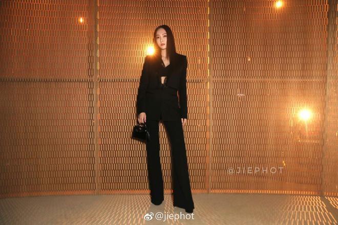 Cả Jessica Jung và Hoa hậu H'hen Niê đều chuộng cách kéo dài chân cực đỉnh Ảnh 1