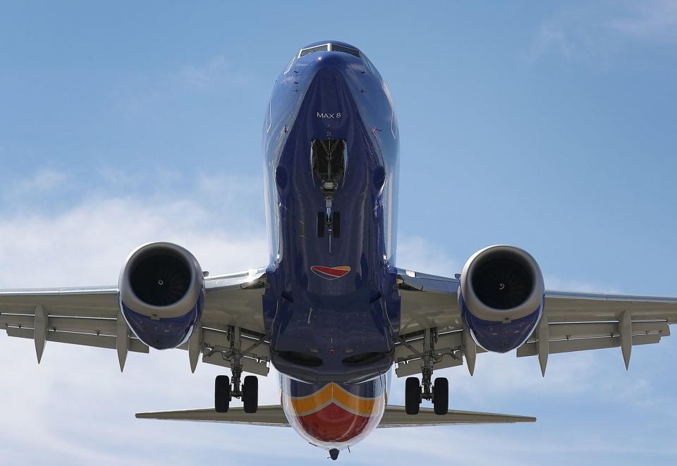 'Thuyết âm mưu' sau làn sóng dừng bay Boeing 737 MAX 8 Ảnh 1