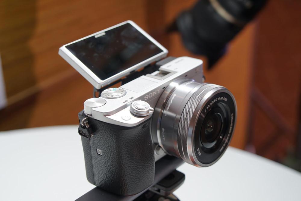 Sony trình làng máy ảnh lấy nét nhanh nhất thế giới Ảnh 2